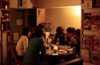 家族以外の友人と食事をすること