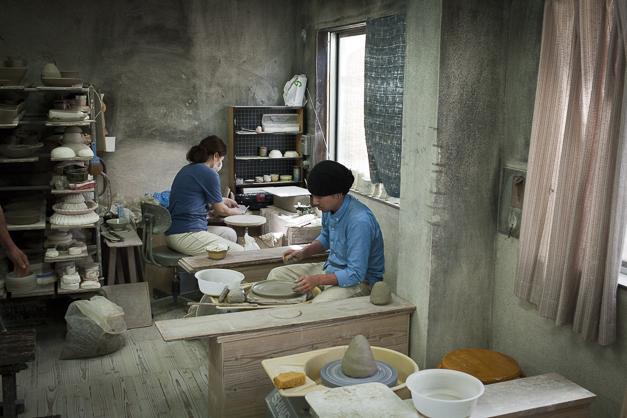 瀬戸の焼き物の工房の様子