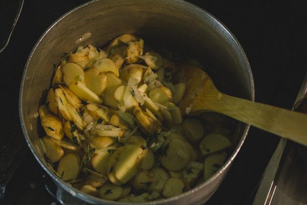 ジャガイモとタイムのスープ