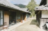 三重県の古民家の片付けはまだまだ続きます。